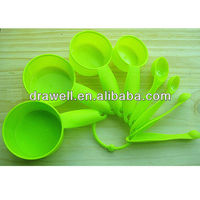 MS-3699 Set Of 8 Plastic measuring spoons and cups