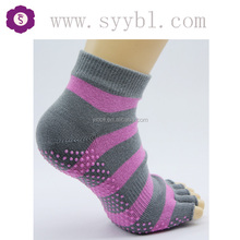 knitting pattern 5 toe cotton socks gray with purple stripes open toe yoga/pilates socks