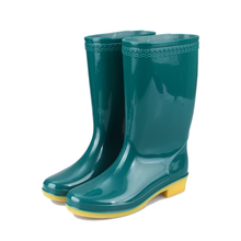 wholesale 2017 cheap gumboots women PVC Rain Boot color green customized fashion high quality working shoes boots factory price
