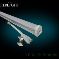90-110lm/w tube light picture
