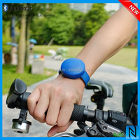CE,ROHS FCC Portable Mini bracelet haut parleur with LED Light