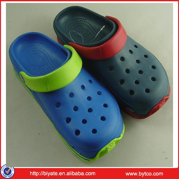 2015 fashion holey soles clog