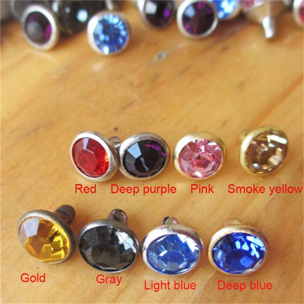 Wholesale nickel-free rhinestone studs for clothing