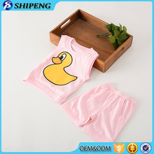 Factory price kids clothing wholesale baby unisex cartoon duck printed sleep suits