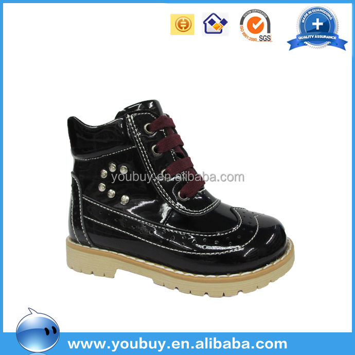 Fancy lace-up patent leather orthopedic footwear black kid boots with rivet