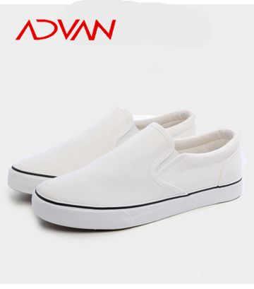 New Arrival vulcanized Low cut white canvas upper slip on flat women' shoe