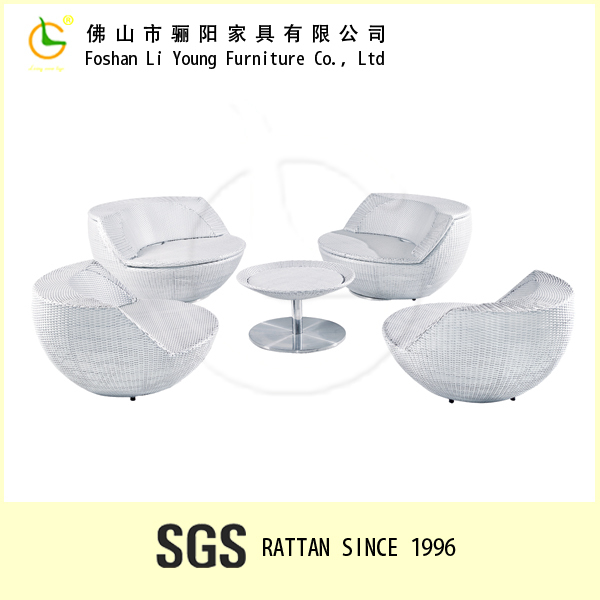 Outdoor Furnitures Coffee Table Set Round Wicker Stacking Golf Ball Rattan  Golf Chair