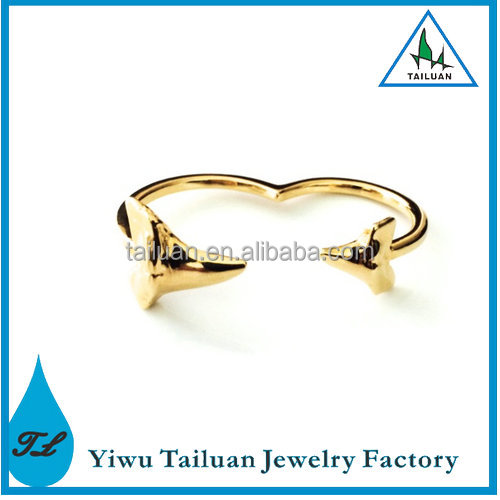 New Design Double Finger Shark Tooth Ring