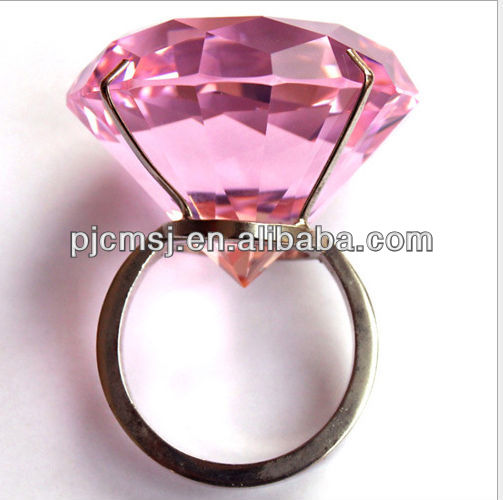 delicate crystal diamond for wedding decoration or souvenirs