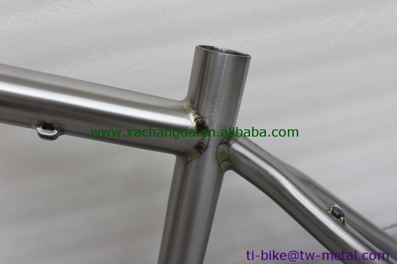 Titanium track bike frame with welding color kept, custom titanium bicycle frames with 700C wheel, China titanium bike frame