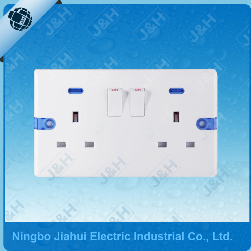 JHE8913SDL Good Quality British Double 13A Electric Wall Switched Socket with Neon