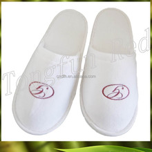 Personalized velvet hotel man slipper with embroidery logo