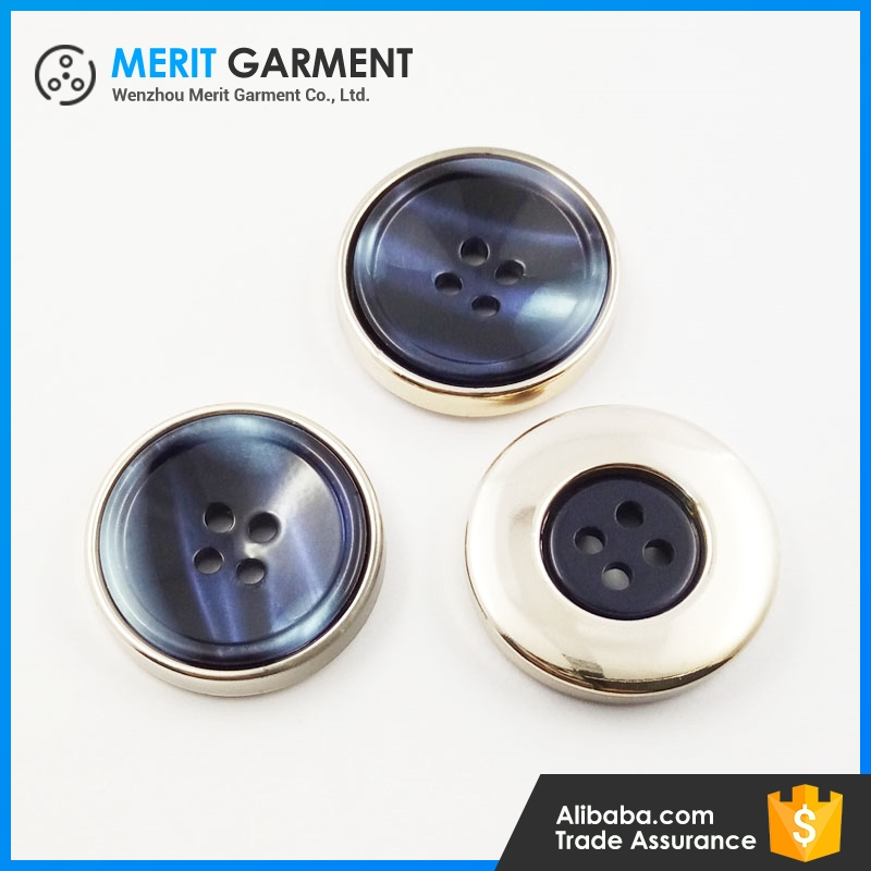 Custom color 28L 36L 40L plasti resin 4-holes button