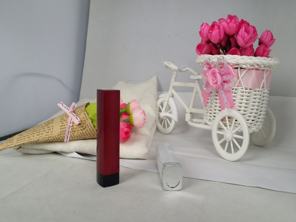 Fashion Cosmetic Tubes Packaging Empty Lipstick Containers Commercial Lipstick Tubes