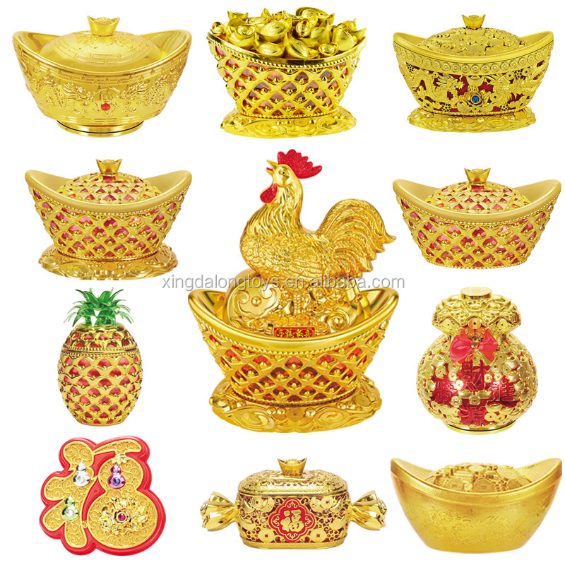 2017 Chinese new year golden color plastic rooster shaped candy box home decoration for spring festival