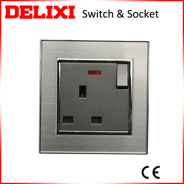 Low maintenance cost Energy saving wall plug power switch socket
