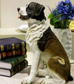 La simulation de Saint - Bernard antique resin statue chien