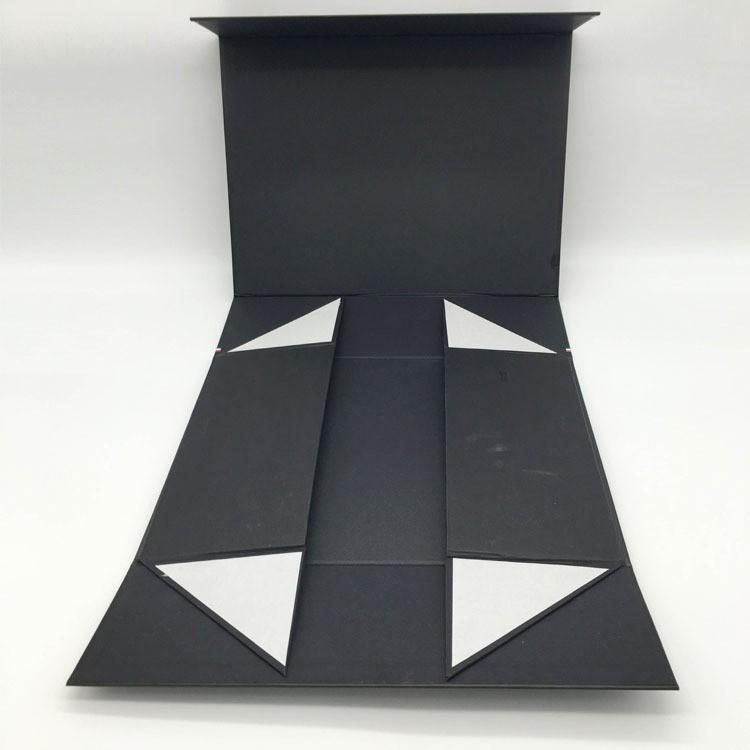 Dobrável caixa de sapatos de papel com o logotipo da folha de ouro de luxo em relevo