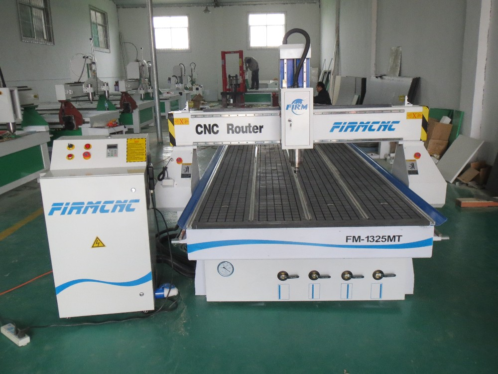 Hobby wood cnc router machine 1325 water cooled cnc router for Best router motor for cnc