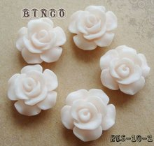 Light Pink Resin Flower Cabochon 10mm In Diameter