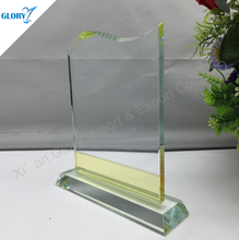 2016 Wholesale high quality Stock Color glass trophy
