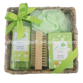 100% natural spa gift set in straw basket with shower gel, bath salt
