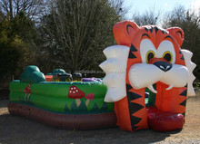Factory outlet new design tiger inflatable bouncer /jumping castle with slide and pool
