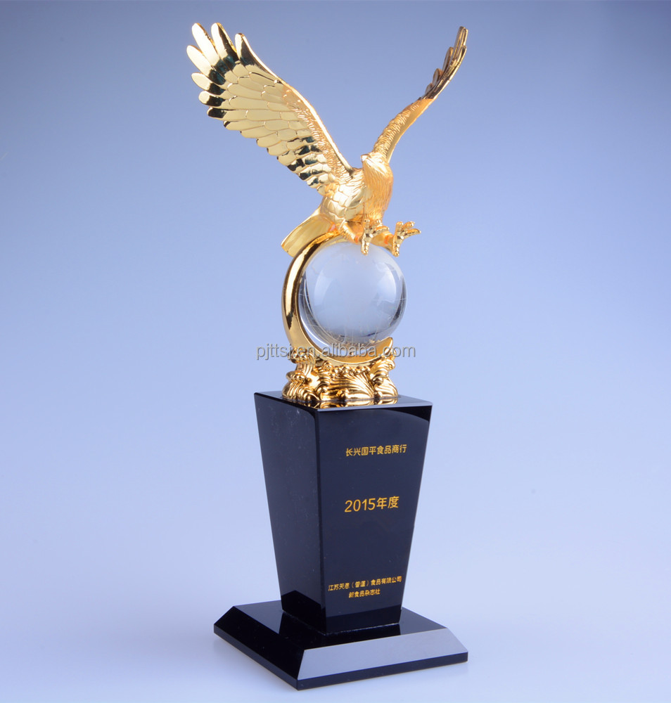 The new crystal eagle metal globe trophy Custom crystal craft gifts