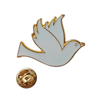2014 high quality Custom making high quality metal white Dove lapel pin badge crafts