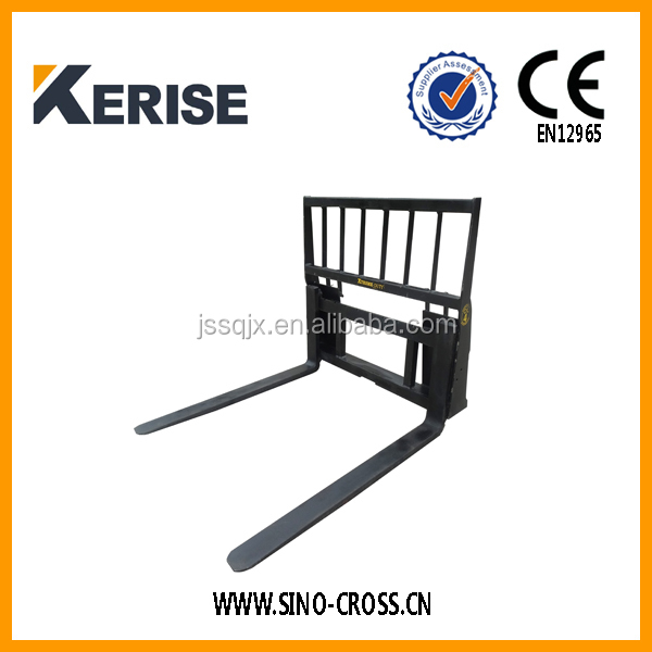 Farm machine adjustable 3 point pallet forks