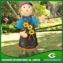 Creative Metal Cute Girl Holding Flower and Pot for Garden Decoration