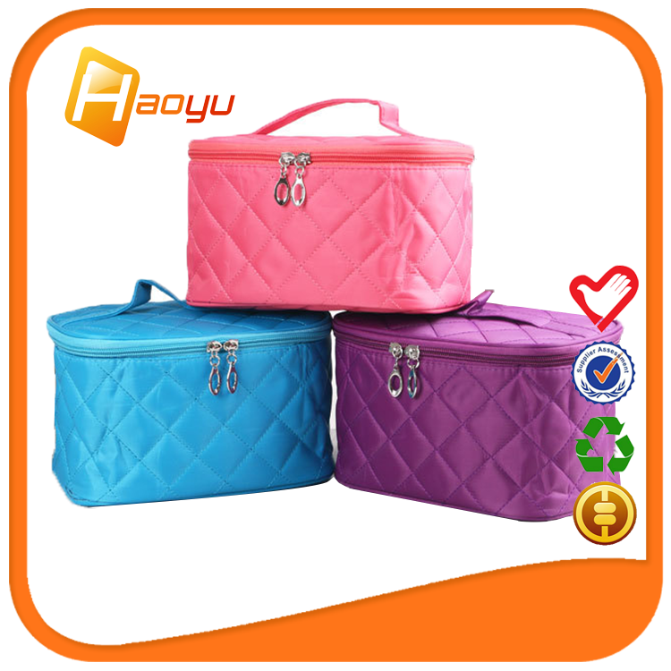 Different models of classic cosmetic bag <strong>travel</strong> for sell