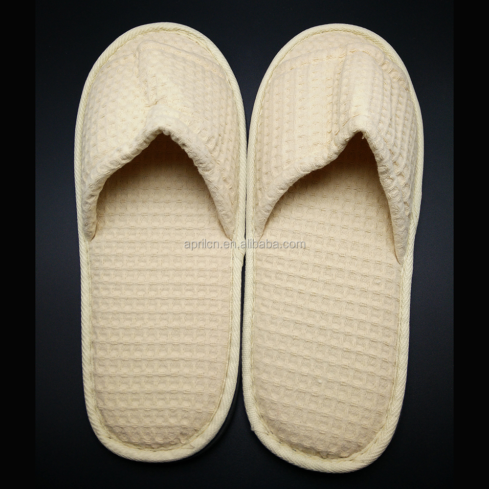 fancy women warm slippers for bedroom