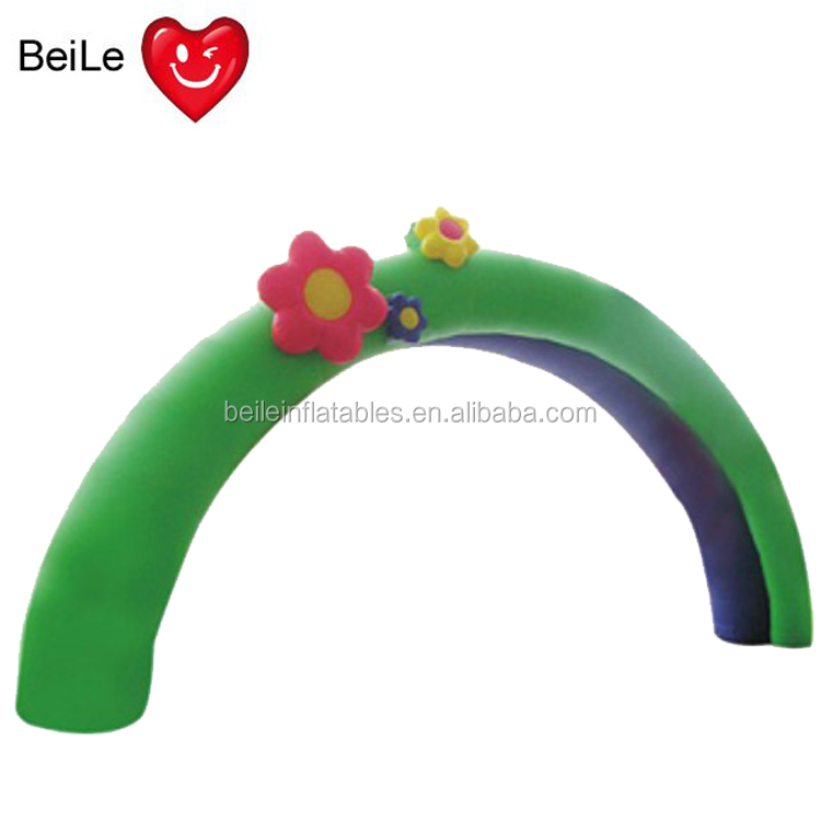 Kids fond inflatable flocking green flowers arch for party