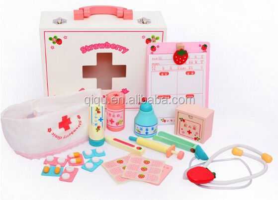 2015 New Arrival Kids Pretending /Mother Garden Popular Happy Game Strawberry Clinic Nurse Pretending Wooden Toys QQ-QZ001