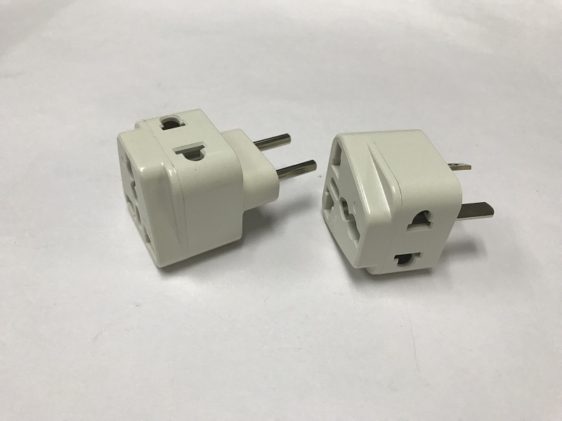 SE-UA9A Universal plug adapter 10A 250V European 4.0mm Middle East power plug travel adapter