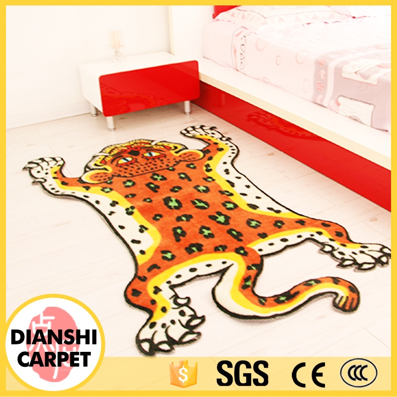 Simple Style Tiger Pattern Machine Made Polyester Carpet With Excellent Quality