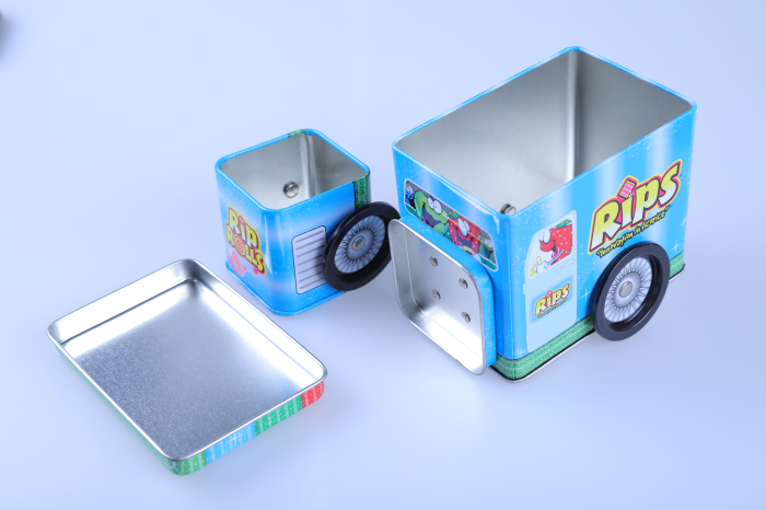 Modern Design Embossing decorative tin money box with lock and key
