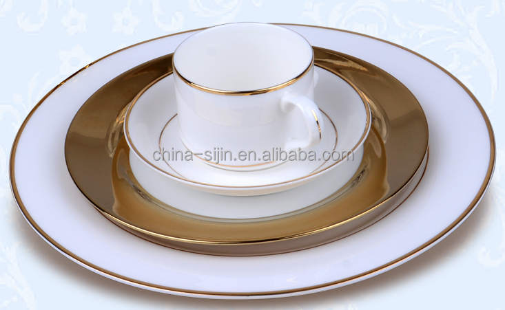 Luxurious palace style good Quality round bone china plates set gold edge tableware sets china dinnerware set