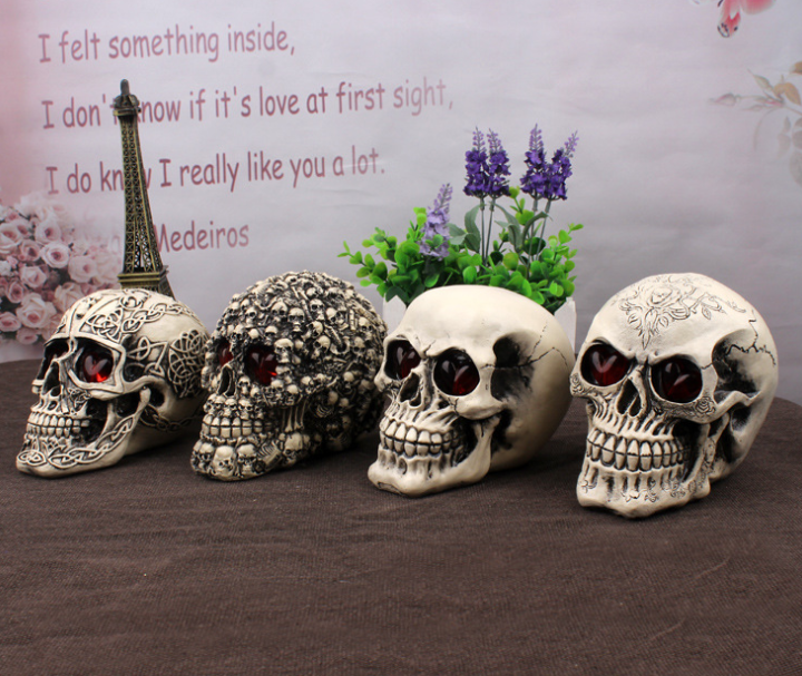 YIWU caddy HP-52 Halloween resin skull heads with LED eyes
