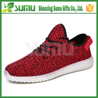 2016 oem wholesale and retail branded yeezy shoes adult lighting shoes led shoes