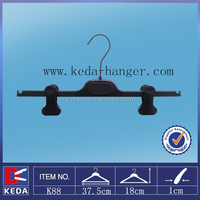 shining black plastic bottom hanger moveable clips