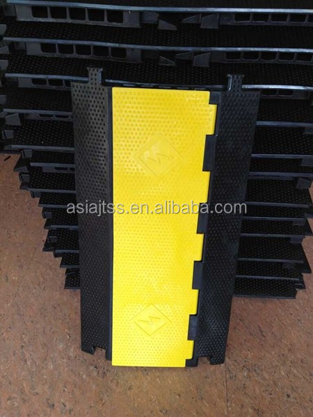 Hot Sale 5 channel Rubber Cable Protector Ramp Cable Cover