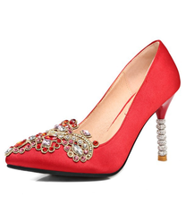 Women red high quality Chinese traditional elements Embroidered silk high heels wedding shoes