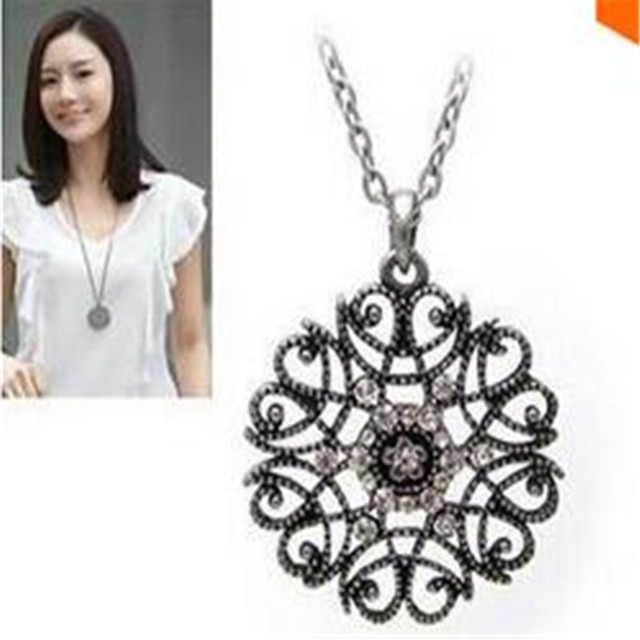 Star Jewelry 2015 New Design European Pop hollow flower long necklace sweater chain necklaces & pendants Fro Woman 2015 new