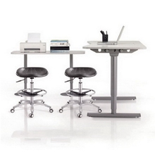 Wholesale Swivel Adjustable Height Lab Stool for Sale