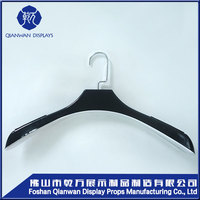 Grand sale!!!3pcs wood part joint luxury wood broad shoulder hanger for coat