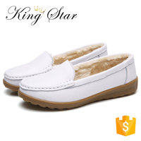 Wholesale Nurse Shoes Woman White Warm Velvet Hospital Doctors Shoes Lady Doug Shoes