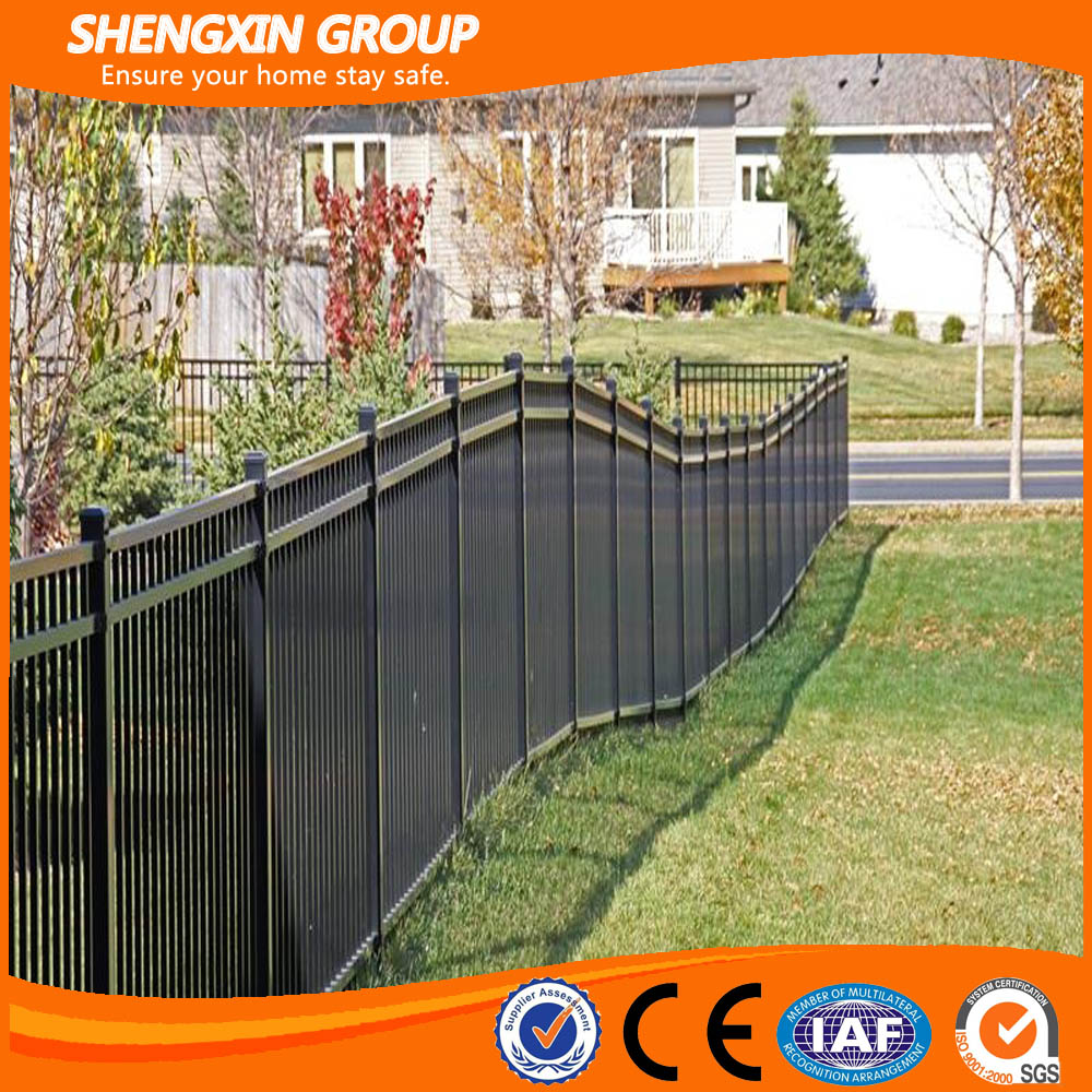 2017 popular pvc coated welded steel pipe green farm fence