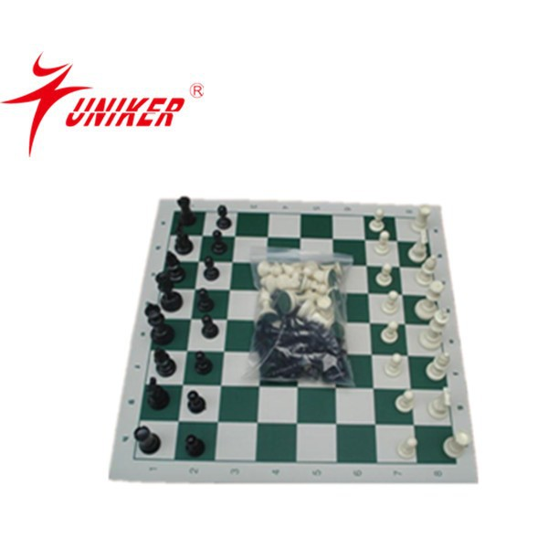 plastic chess/plastic chess with vinyl board